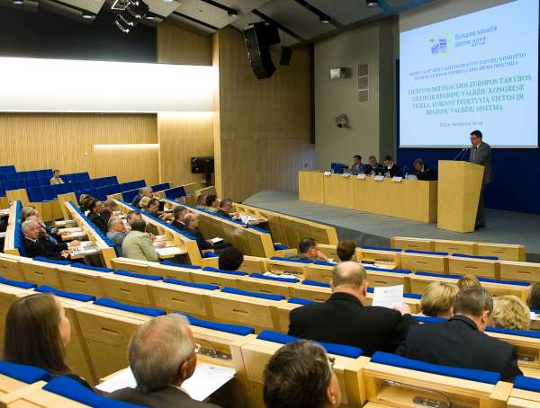 diskusija Seime-600